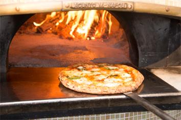 窯焼きpizza